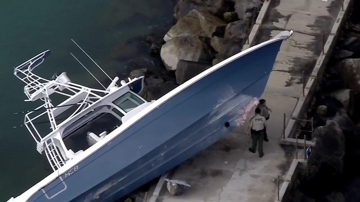 Boat crash at Dania Beach